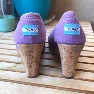 Toms Shoes - TOMS | Violet Open-Toe Wedge